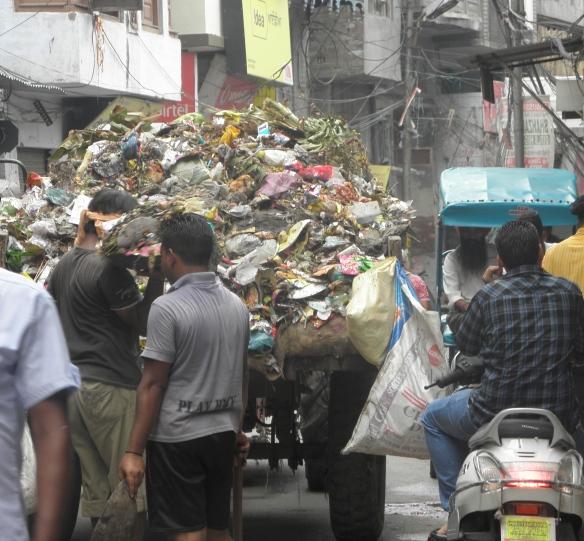 Ramassage des ordures à Amritsar.
