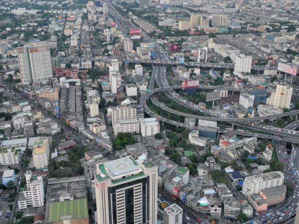 Buildings et autoroutes de Bangkok mégacity