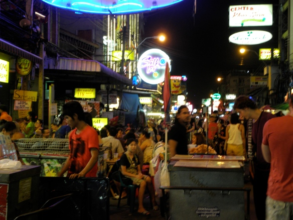 Ambiance de Khao Sam Road